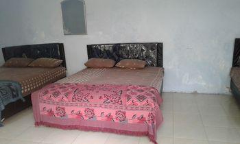 DW Hotel Malang - Triple Room Regular Plan