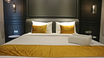 Hotel Shalva Jakarta Jakarta - Royal Deluxe Room Only Save 45%