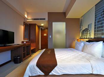 Midtown Hotel Surabaya - Splendid Room Regular Plan