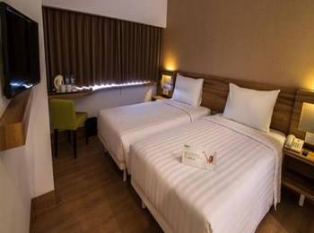 Whiz Prime Balikpapan - Whiz Standard Room With Breakfast For 1 Person Regular Plan