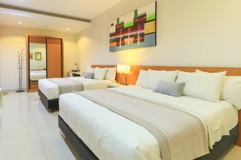 HOME Guesthouse Surabaya - Family Room Minimum stay