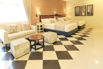 HOME Guesthouse Surabaya - Family Suite Minimum stay