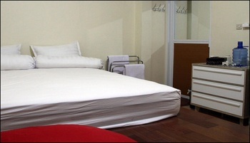 Green Leaf Guest House Yogyakarta - Double Room Only Regular Plan