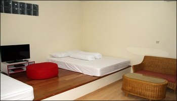 Green Leaf Guest House Yogyakarta - Family Room Only Regular Plan