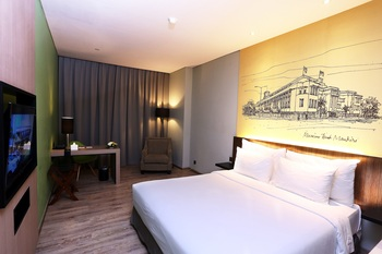 AONE Hotel Jakarta - Deluxe King Bed Room Work From Hotel