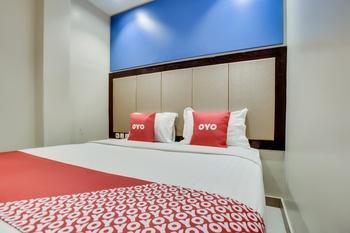 OYO 3735 Liv Hotel Jakarta - Standard Double Room Last Minute Deal