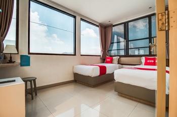 OYO 3735 Liv Hotel Jakarta - Deluxe Twin Room Last Minute Deal