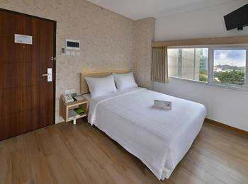 Whiz Hotel Falatehan Jakarta Jakarta - Superior Queen or Twin Room Only Regular Plan
