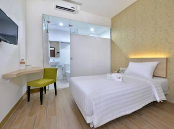 Whiz Hotel Falatehan Jakarta Jakarta - Standard Queen/Twin Room Regular Plan
