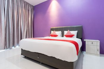 OYO 839 Royal Guest House Medan - Deluxe Double Room Regular Plan