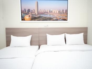 The Maximus Inn Hotel Palembang - Suite Triple Regular Plan