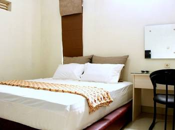 Victory Guest House Jogja - Deluxe Room (Check in max 11pm) Regular Plan