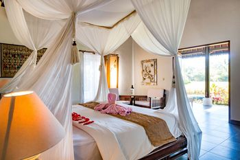 Villa Taman Di Blayu Bali - Luxurious Deluxe one bedroom villas Regular Plan