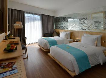 IZE Seminyak Bali - Deluxe Twin Room Only with FREE Daily Mini Bar Promo 30%