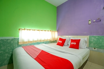 OYO 1495 Hotel Lendosis Palembang - Standard Double Room Regular Plan
