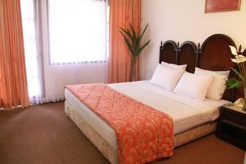HDTI Hermina Parapat Danau Toba - Family Room Only Regular Plan