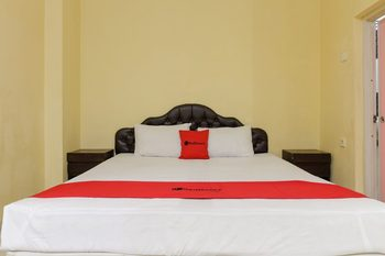RedDoorz near Pantai Padang Padang - RedDoorz Twin Room Basic Deal