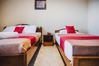RedDoorz @ Ungaran Semarang - RedDoorz Twin Room Regular Plan