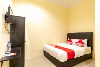 OYO 1505 Studio 10 Home Stay Medan - Standard Double Room Regular Plan