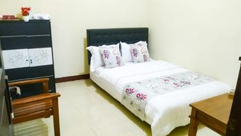 Fanda Guest House Syar'i Banyuwangi - SALE Room with Sharing Bathroom Regular Plan