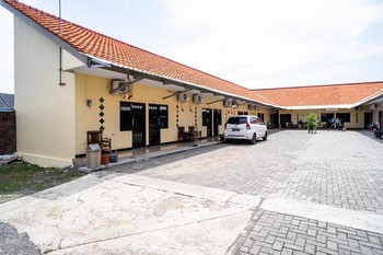 KoolKost Syariah near Transmart Tegal