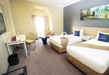 Hotel Dafam Semarang - Deluxe Twin Bed - with Breakfast Regular Plan