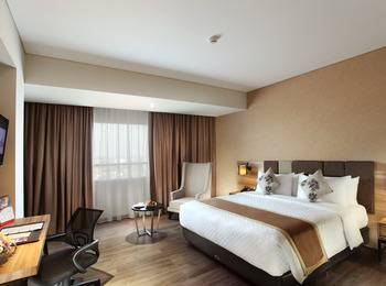 Swiss-Belinn Karawang Karawang - Deluxe Queen Regular Plan