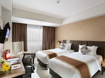Swiss-Belinn Karawang Karawang - Superior Twin Room Only  Regular Plan
