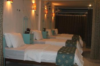 Just-In Bed and Breakfast Lombok - Deluxe Budget Room Only Basic Deal 50%
