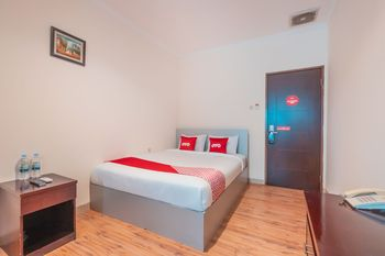 OYO Flagship 2131 Hotel Binong Tangerang - Standard Double Room Regular Plan