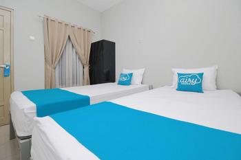 Airy Syariah Prambanan KM 21 Klaten Klaten - Standard Twin Room Only Special Promo Oct 50