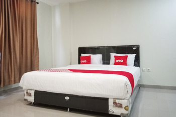 OYO 2382 Wisata Hotel Danau Toba - Deluxe Double Room Last Minute