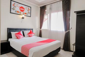 OYO 803 Toetie Hotel Malang - Standard Double Room Regular Plan