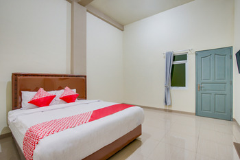 OYO 1035 Patal Residence Palembang - Deluxe Double Room Promotion