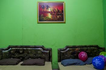 Oriana Homestay Near Alun Alun Kidul Jogja - Family Room  Regular Plan