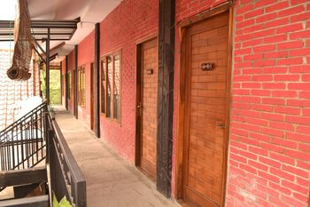 Istana Petani Probolinggo - Standard Twin Room Regular Plan
