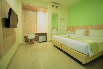 Green Bamboo Residence Jakarta - Deluxe Double With Breakfast 2 pax Regular Plan