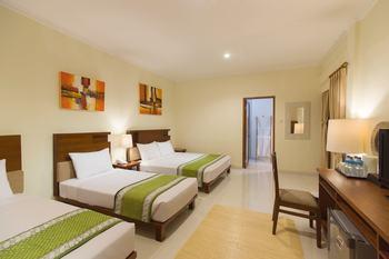Jambuluwuk Oceano Gili Trawangan Resort Lombok - Premier Lumbung Triple Room  Flash Sale