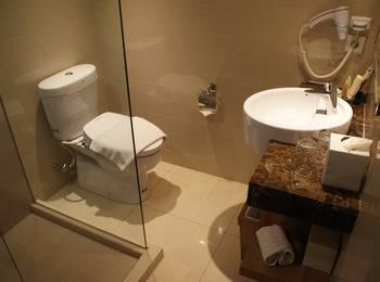 Grand Tropic Jakarta - Business suite renovasi terbaru Regular Plan