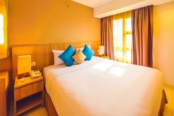 Grand Tropic Jakarta - Executive Suites Room Only Regular Plan