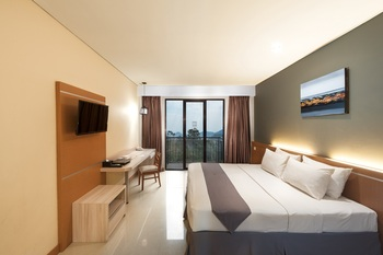Nava Hotel Tawangmangu - Deluxe Room Balcony LIMITED TIME OFFER