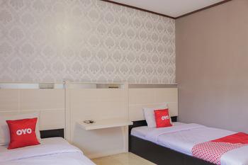 OYO 1710 Hotel Budi Famili 2 Syariah Ciamis - Standard Twin Room Regular Plan