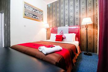 RedDoorz Plus @ Jalan Raden Intan Lampung Bandar Lampung - RedDoorz Room with Breakfast Basic Deal