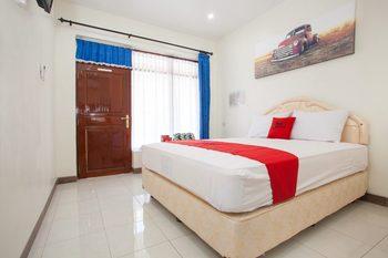 RedDoorz @ Panglima Sudirman Probolinggo - RedDoorz Room Today's Deals