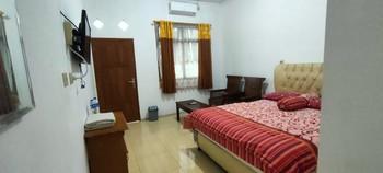 Hotel Arjuna Sari Bandungan Semarang - Deluxe Room Only NR Special Deal