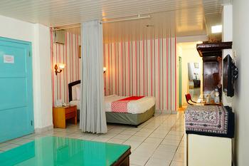 OYO 358 Hotel Martani Belitung  Belitung - suite double Room Regular Plan