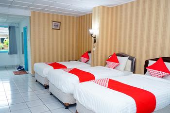 OYO 358 Hotel Martani Belitung  Belitung - Suite Triple Room Regular Plan