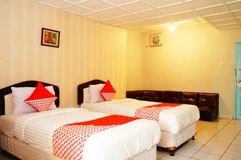 OYO 358 Hotel Martani Belitung  Belitung - Suite Twin Room Regular Plan
