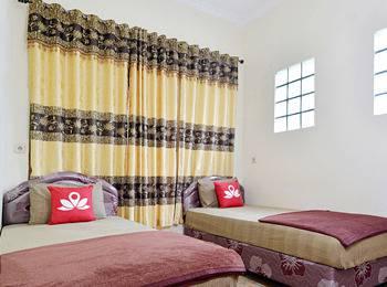 ZenRooms Antapani Syariah Bandung - Double Room Regular Plan