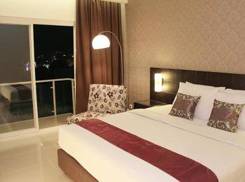 Sisingamangaraja Guest House Semarang Semarang - Grand Deluxe Room with Breakfast KETUPAT